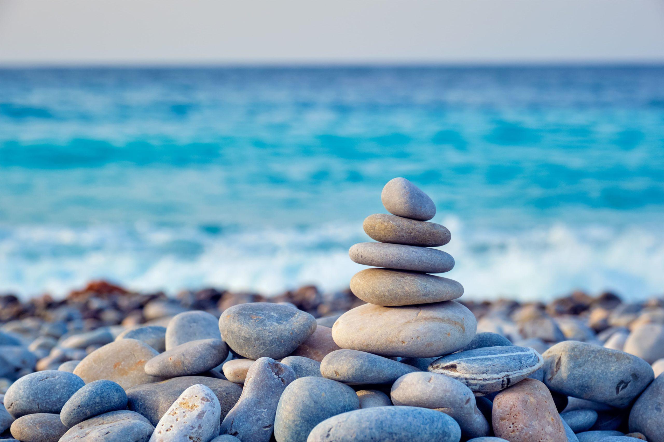 33 дзен-фото пирамидок из камней со всего мира