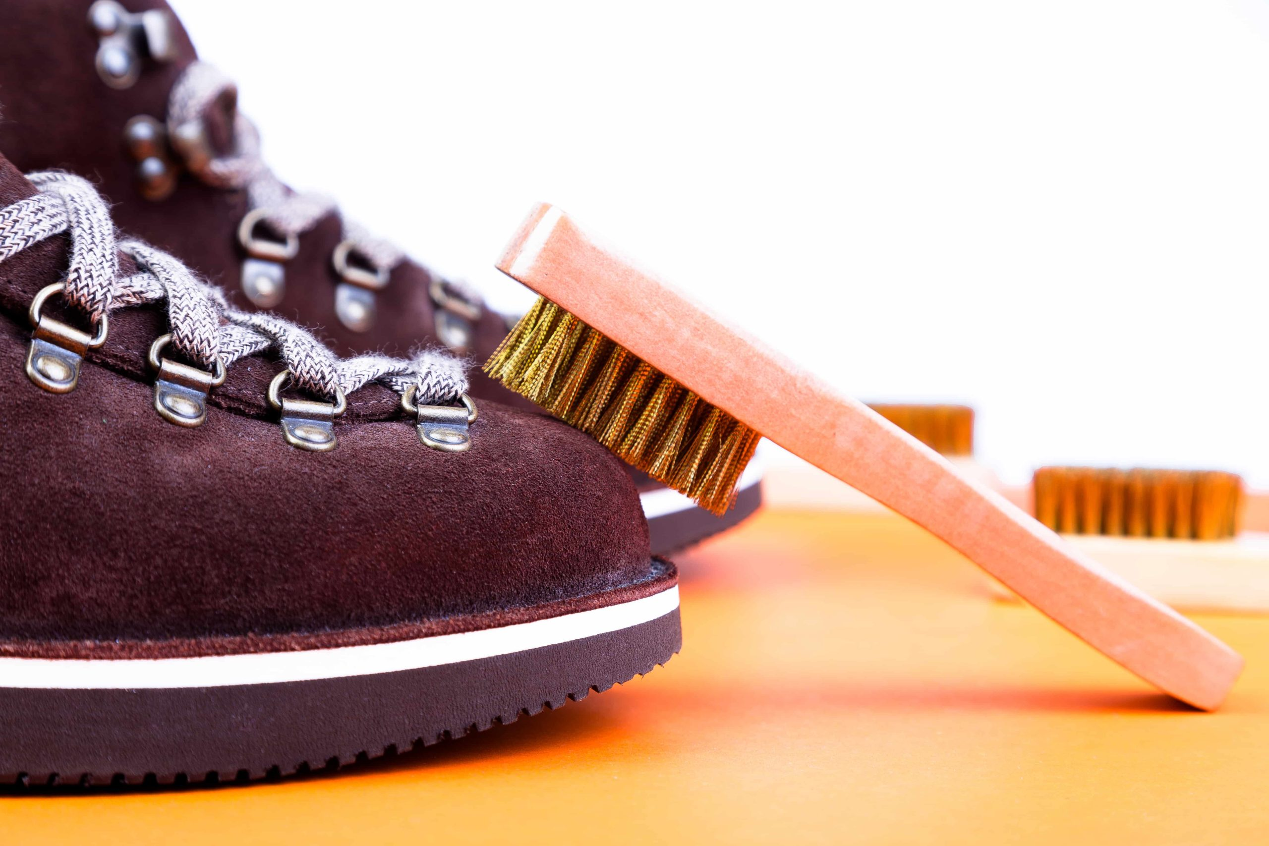 Как чистить обувь. Как правильно чистить обувь от пыли и грязи