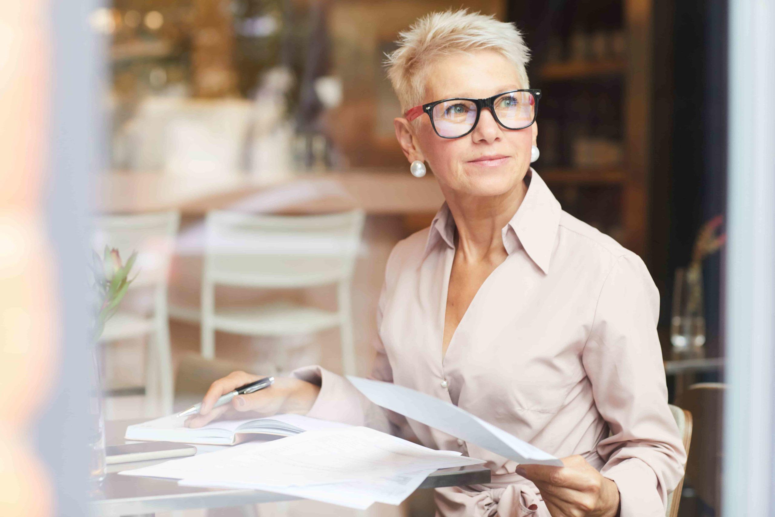 Мода для женщин за 50. Тенденции женской одежды за 50 лет