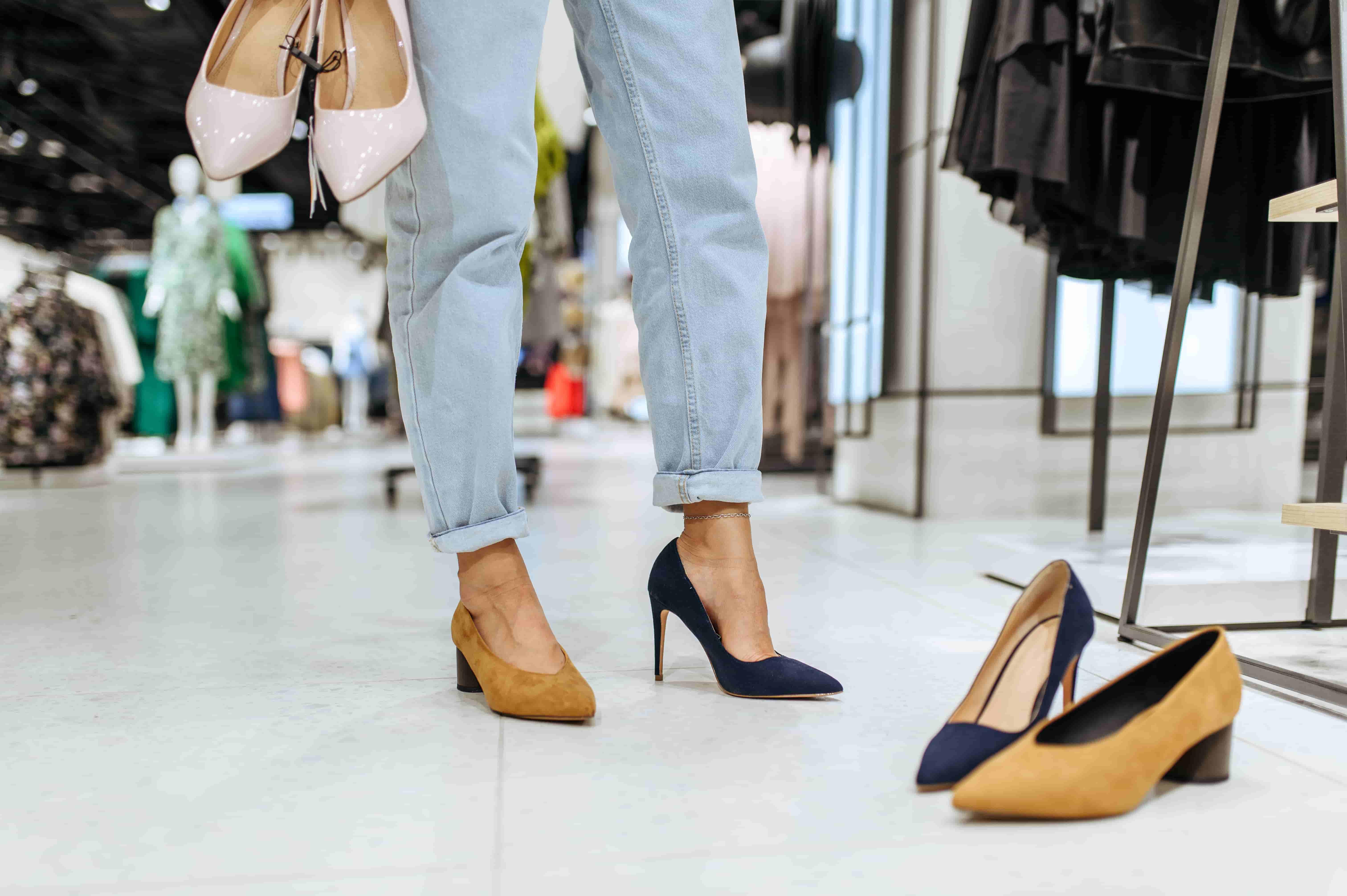 Как ухаживать за замшевой обувью. Правильный уход за замшей в домашних условиях
