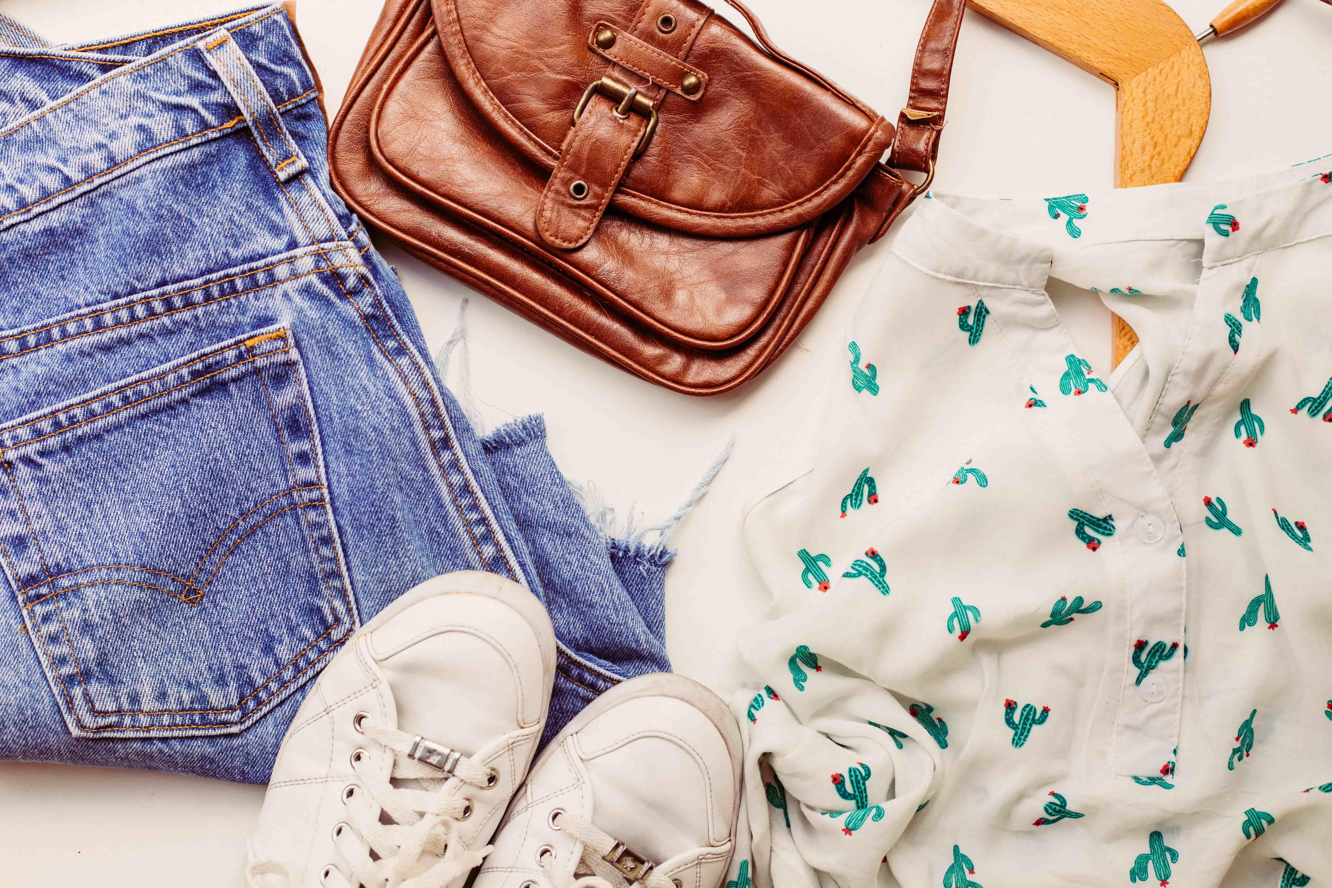 Уход за одеждой. Как ухаживать за одеждой и обувью в домашних условиях