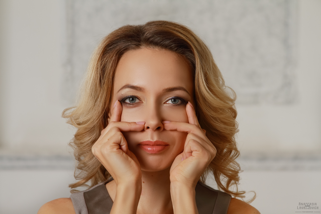 Как убрать мимические морщины вокруг глаз без инъекций и скальпеля