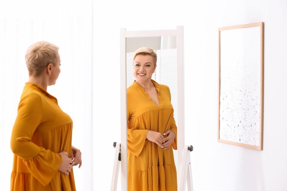 Летние платья для женщин за 50 в 2021 году. Модные тренды