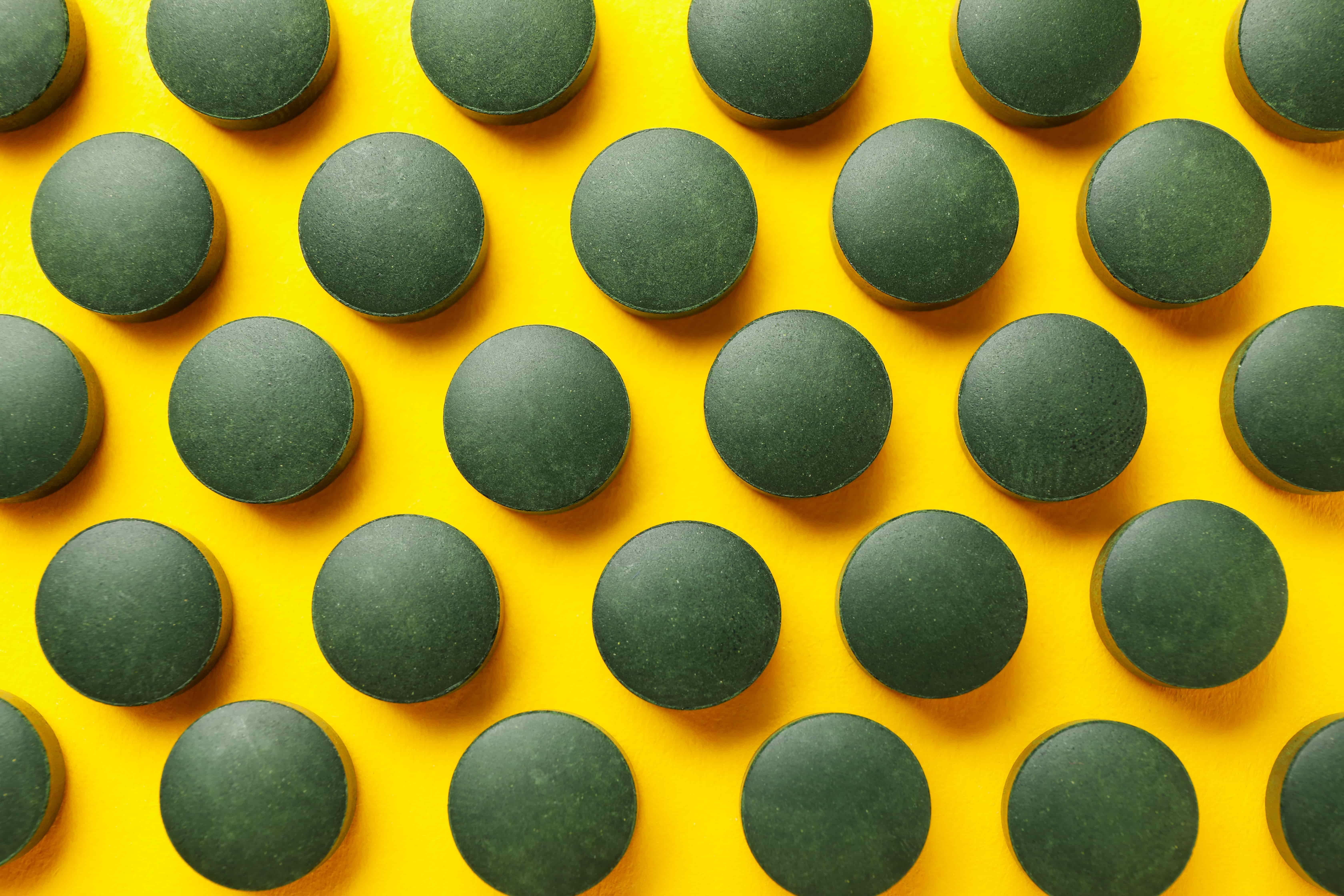 Спирулина свойства и противопоказания. Как ее принимать