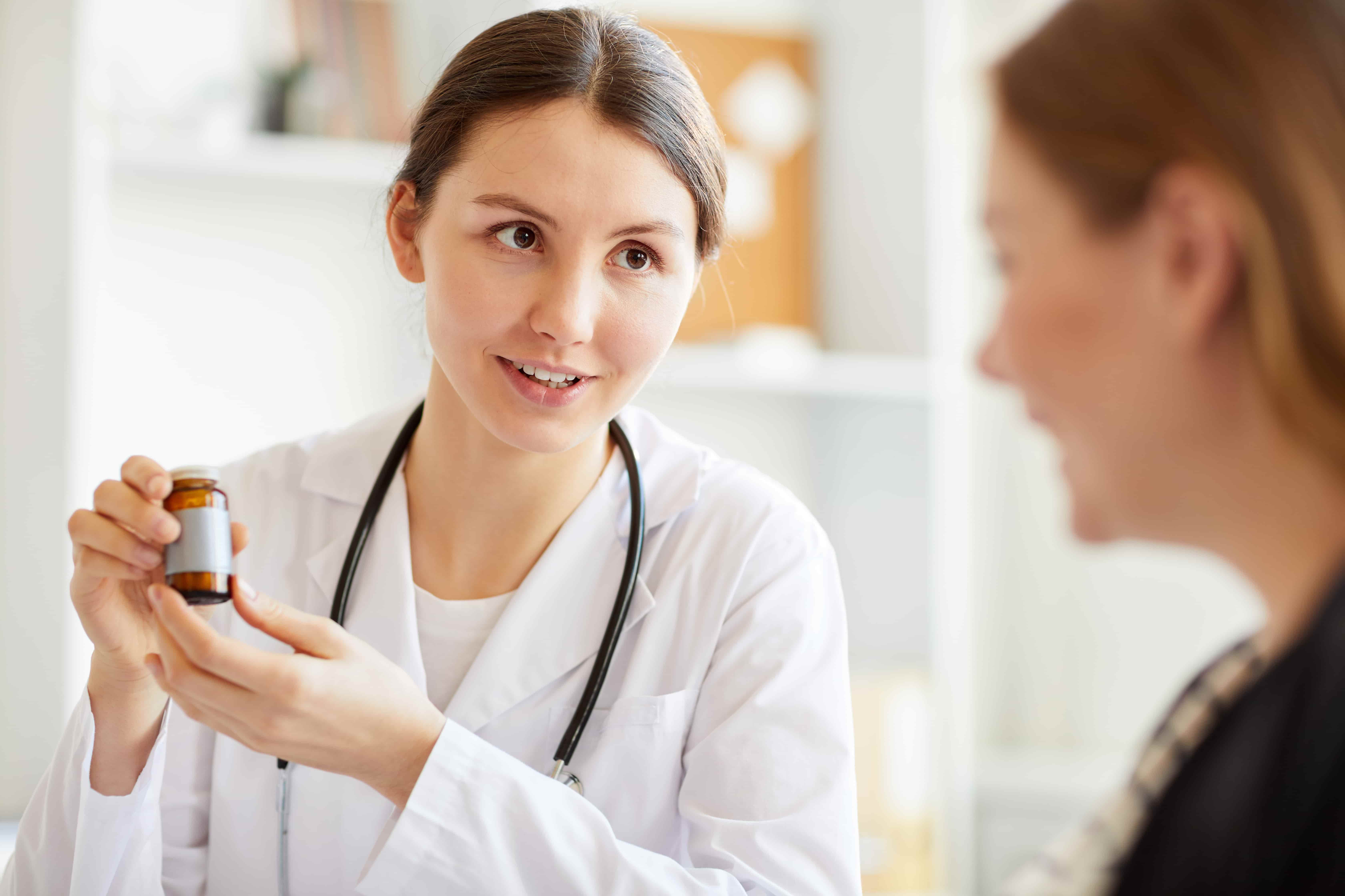 Витамины для женщин при беременности. Нужно ли их пить