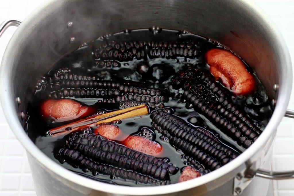 Фиолетовая кукуруза - что это такое. Ее полезные свойства